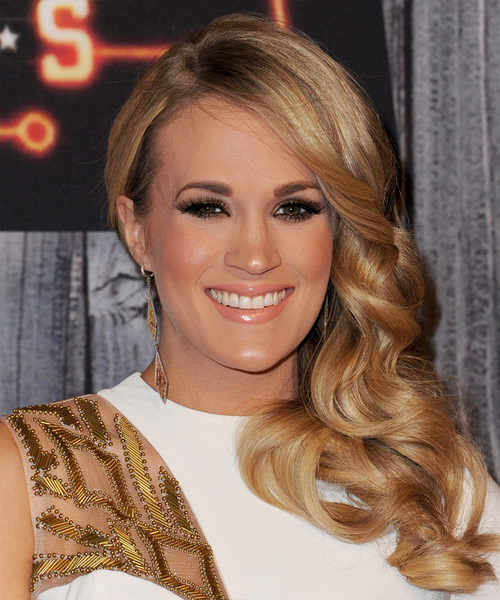 Carrie Underwood Long Wavy   Dark Golden Blonde   Hairstyle