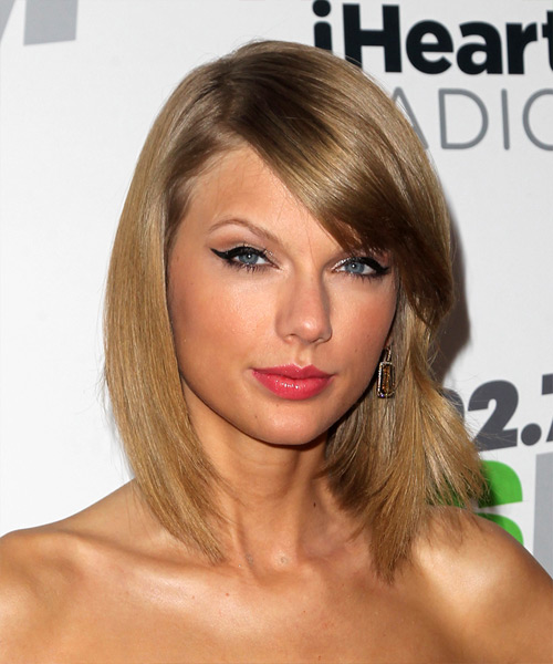 Taylor Swift Medium Straight   Dark Golden Blonde   Hairstyle with Side Swept Bangs