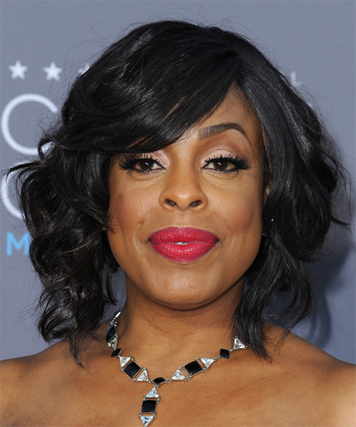 Niecy Nash Medium Wavy Formal   Hairstyle with Side Swept Bangs  - Black