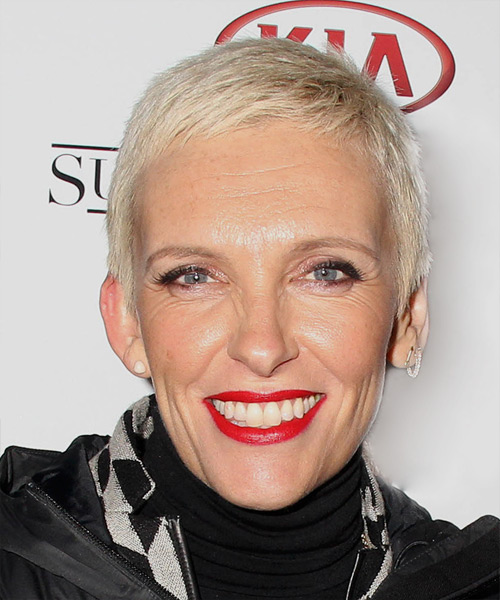 Toni Collette Short Straight Casual    Hairstyle   - Light Blonde Hair Color