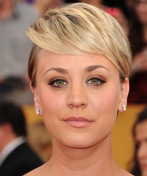 Kaley Cuoco Short Straight Formal    Hairstyle   - Light Blonde Hair Color