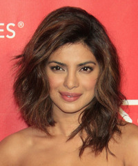 Priyanka Chopra Medium Wavy Casual    Hairstyle   -  Brunette Hair Color