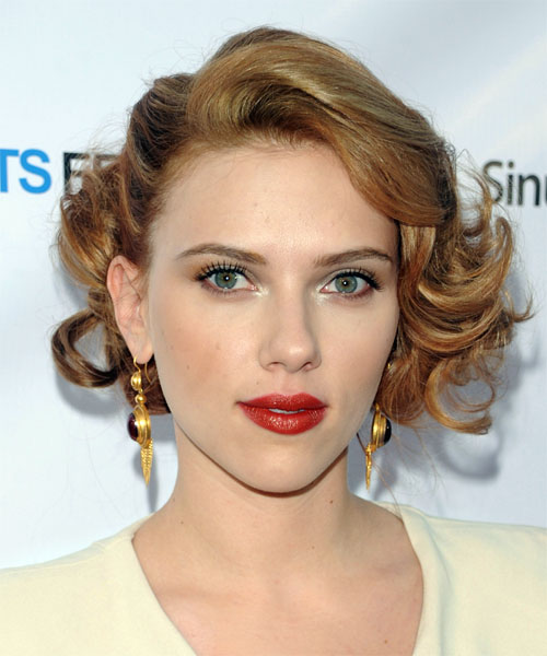 Scarlett Johansson Short Wavy Formal   Hairstyle