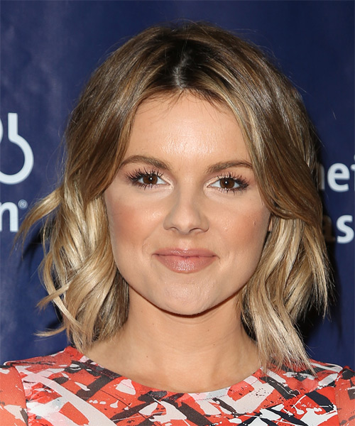 Ali Fedotowsky Medium Wavy Casual   Hairstyle   - Light Brunette