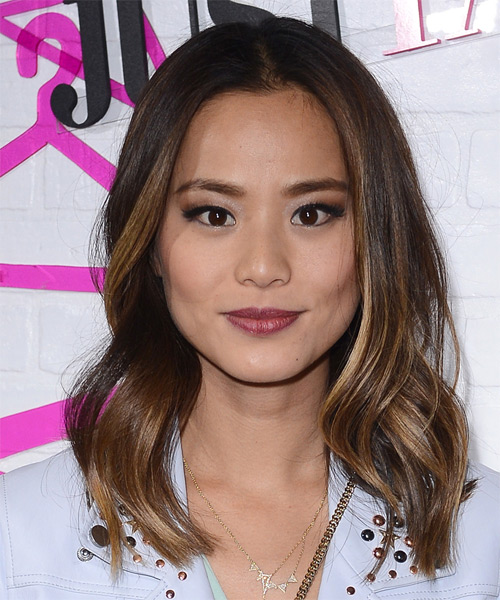 Jamie Chung Medium Wavy Casual   Hairstyle   - Medium Brunette