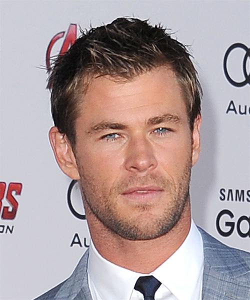 Chris Hemsworth Short Straight Casual    Hairstyle   -  Brunette Hair Color with  Blonde Highlights