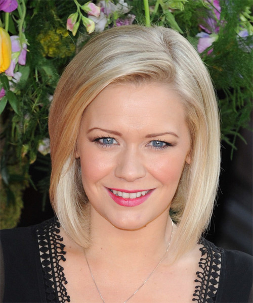 Suzanne Shaw  Medium Straight Formal Bob  Hairstyle   - Medium Blonde (Honey)