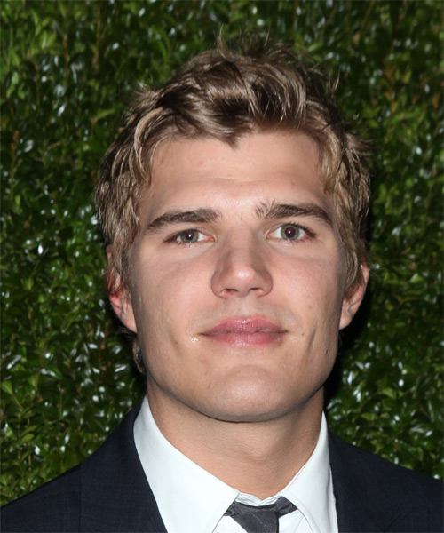Chris Zylka Short Wavy Casual   Hairstyle   - Light Brunette