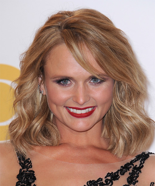 Miranda Lambert Medium Wavy Casual    Hairstyle with Side Swept Bangs  -  Copper Blonde Hair Color with Light Blonde Highlights