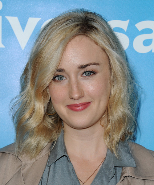 Ashley Johnson Medium Wavy Casual   Hairstyle   - Light Blonde