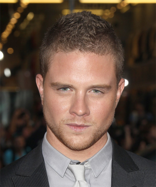 Jonny Weston Short Straight Casual   Hairstyle   - Light Brunette