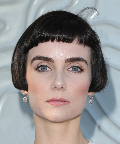 Victoria Summer Short Straight   Bob  Haircut with Blunt Cut Bangs
