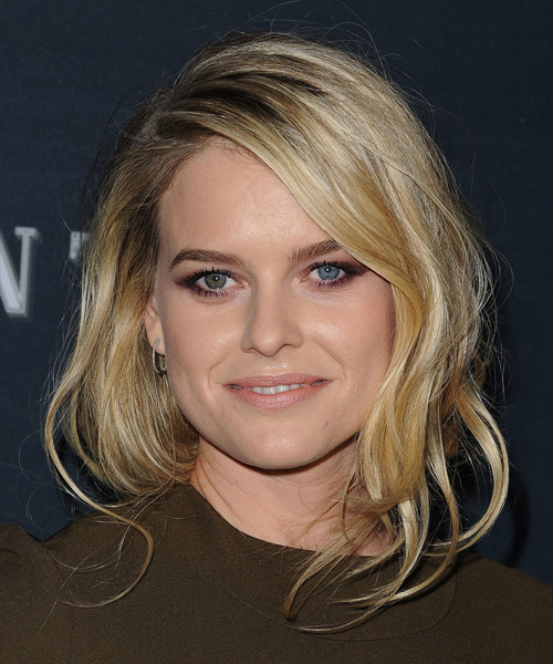 Alice Eve Medium Wavy Casual   Hairstyle   - Medium Blonde