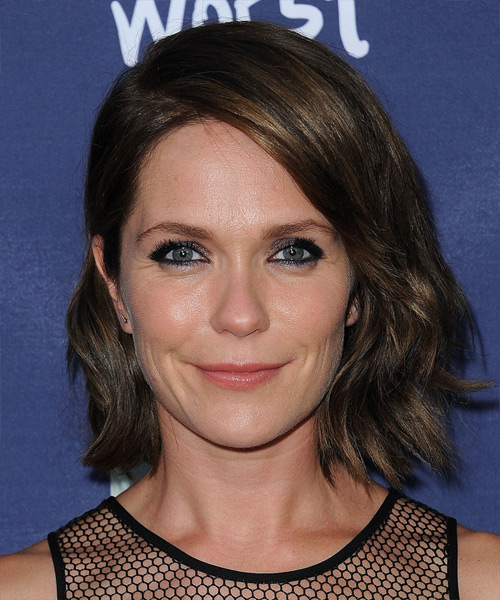 Katie Aselton Medium Wavy Casual   Hairstyle   - Dark Brunette