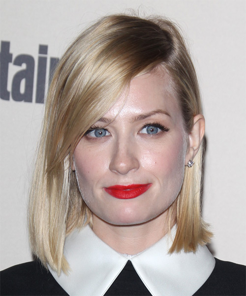 Beth Behrs Medium Straight Casual Bob  Hairstyle   - Light Blonde