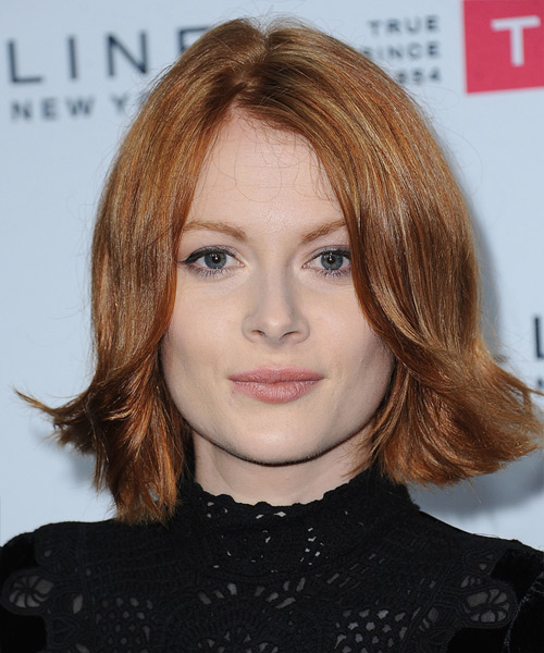 Emily Beecham Medium Straight Casual   Hairstyle   - Light Red (Ginger)