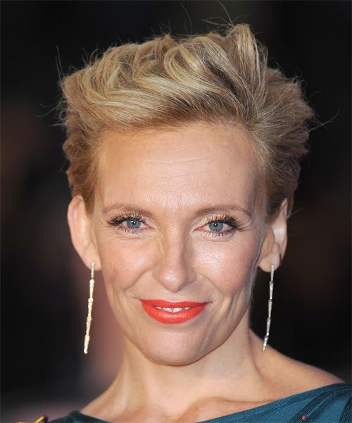 Toni Collette Short Straight Formal    Hairstyle   - Dark Blonde Hair Color
