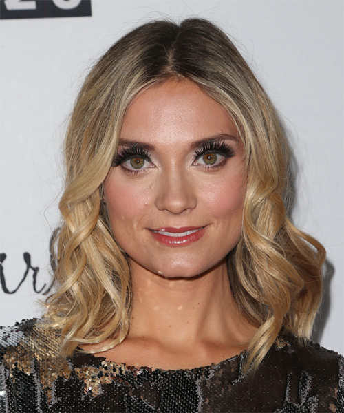 Spencer Grammer Formal Medium Wavy Hairstyle Blonde Hair Color