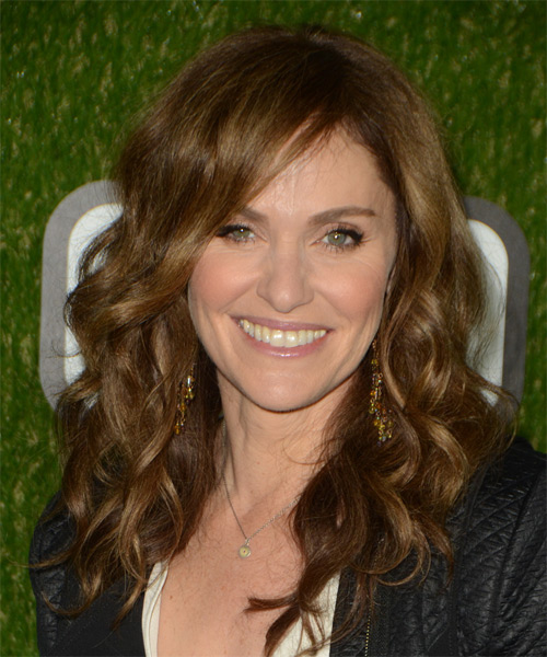 Amy Brenneman Long Wavy     Hairstyle