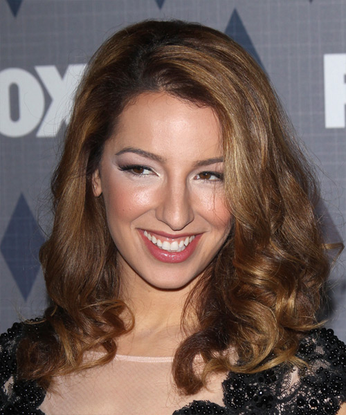Vanessa Lengies Long Wavy     Hairstyle
