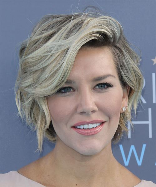 Charissa Thompson Short Wavy Casual   Hairstyle
