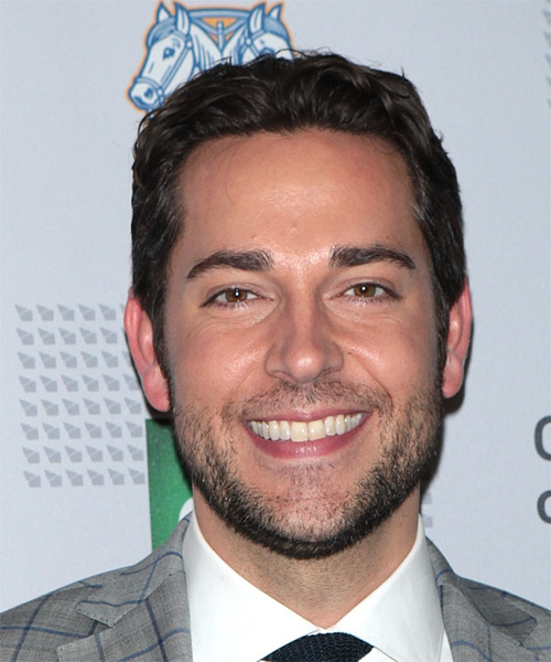 Zachary Levi Short Wavy Casual   Hairstyle