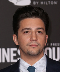 John Magaro Short Straight   Black    Hairstyle