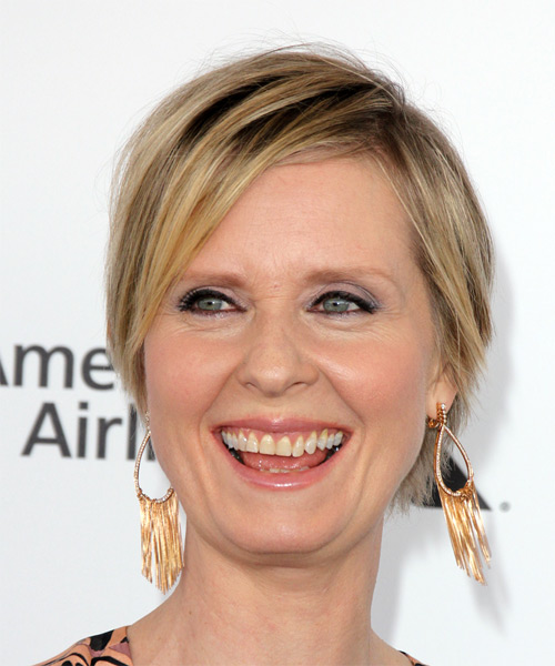 Cynthia Nixon Short Straight Casual Bob  Hairstyle with Side Swept Bangs  - Medium Blonde (Honey)