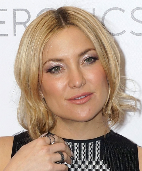 Kate Hudson Medium Straight Casual Bob  Hairstyle   - Light Blonde (Honey)