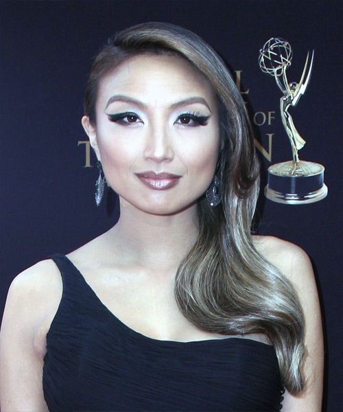 Jeannie Mai Long Straight   Dark Brunette  Updo    with  Blonde Highlights