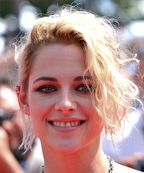 Kristen Stewart Short Wavy Casual  Updo Hairstyle with Side Swept Bangs  - Light Blonde (Platinum)