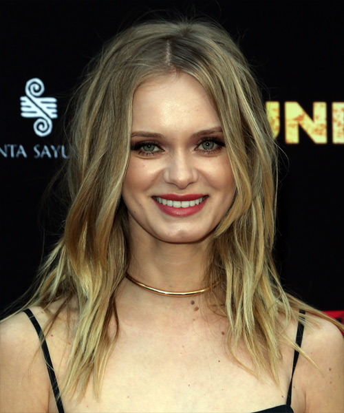 Sara Paxton Long Wavy Casual Shag  Hairstyle   - Medium Blonde