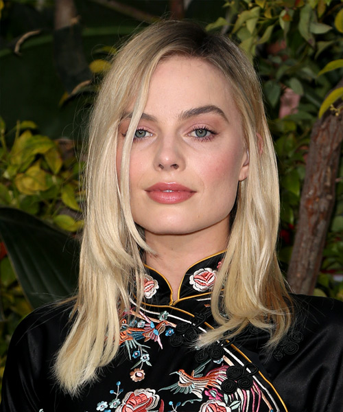 Margot Robbie Medium Straight Formal    Hairstyle   - Light Blonde Hair Color