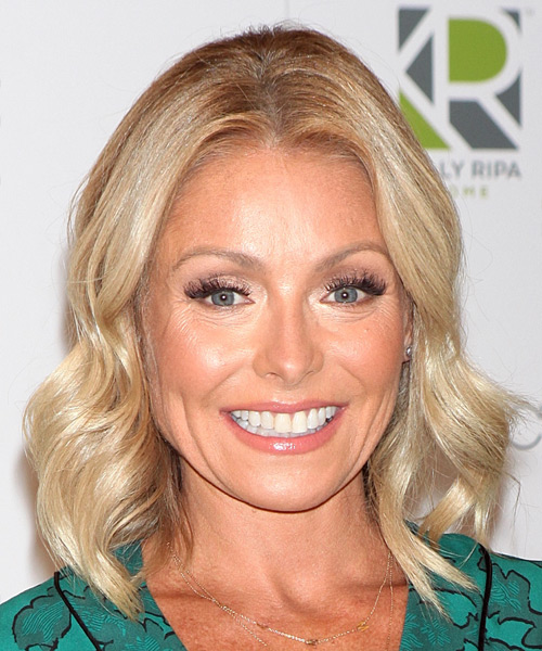 Kelly Ripa Medium Wavy Casual Bob  Hairstyle   - Light Blonde