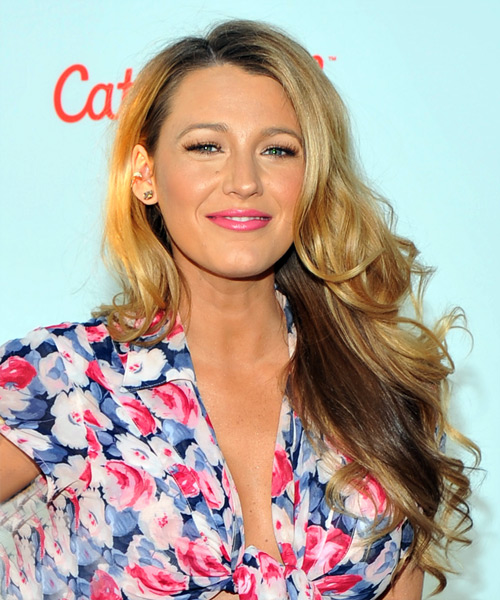 Blake Lively Long Wavy Casual    Hairstyle   -  Blonde Hair Color