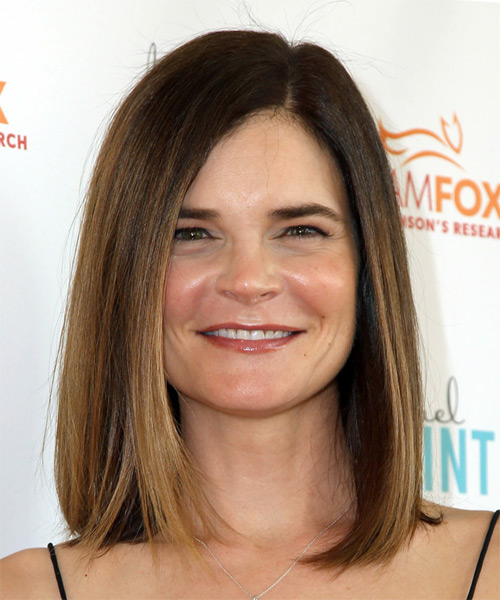 Betsy Brandt Medium Straight   Light Brunette Bob  Haircut