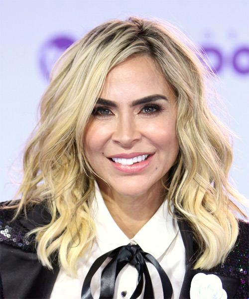 Aylin Mujica Medium Wavy Casual    Hairstyle   - Light Blonde Hair Color