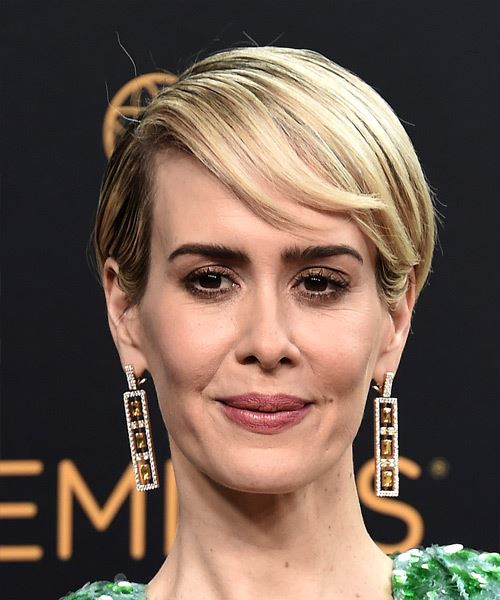 Sarah Paulson Short Straight Formal    Hairstyle with Side Swept Bangs  - Light Blonde Hair Color