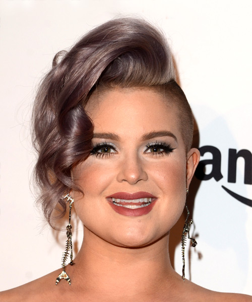 Kelly Osbourne Short Wavy Alternative Asymmetrical  Hairstyle   - Purple