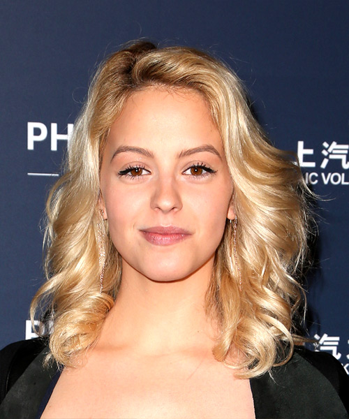 Gage Golightly Shiny & Bouncy Medium Wavy Casual    Hairstyle   - Light Blonde Hair Color