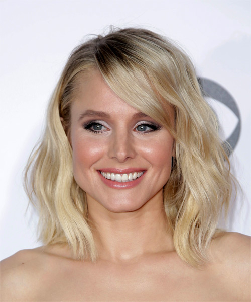 Kristen Bell Voluminous Medium Wavy Casual Bob Hairstyle With Side Swept  Bangs   Light Blonde Hair Color