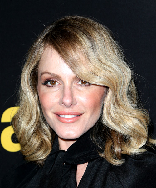 Monet Mazur Medium Wavy Casual  Bob  Hairstyle   - Light Blonde Hair Color