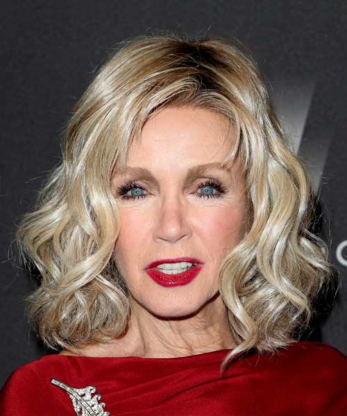 Donna Mills Medium Wavy Casual Bob  Hairstyle with Side Swept Bangs  - Light Blonde
