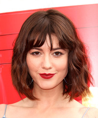 Mary Elizabeth Winstead Medium Wavy    Brunette Bob  Haircut with Layered Bangs