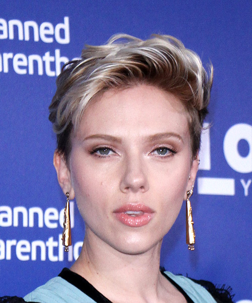 Scarlett Johansson     Dark Blonde Pixie  Cut   with Light Blonde Highlights