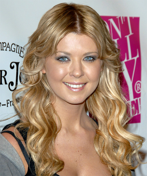 Tara Reid Long Wavy Casual   Hairstyle