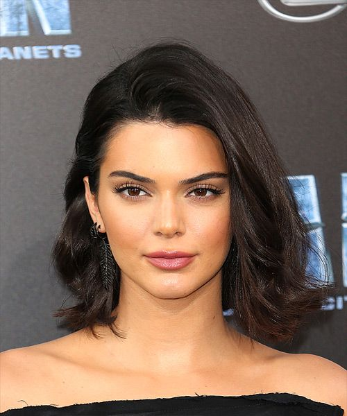 Kendall Jenner Medium Straight Casual Bob  Hairstyle   - Dark Brunette