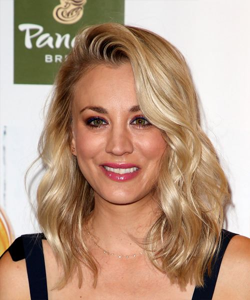 Kaley Cuoco Medium Wavy Casual    Hairstyle   - Light Ash Blonde Hair Color