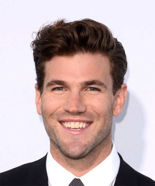 Austin Stowell Short Straight Casual    Hairstyle   -  Brunette Hair Color