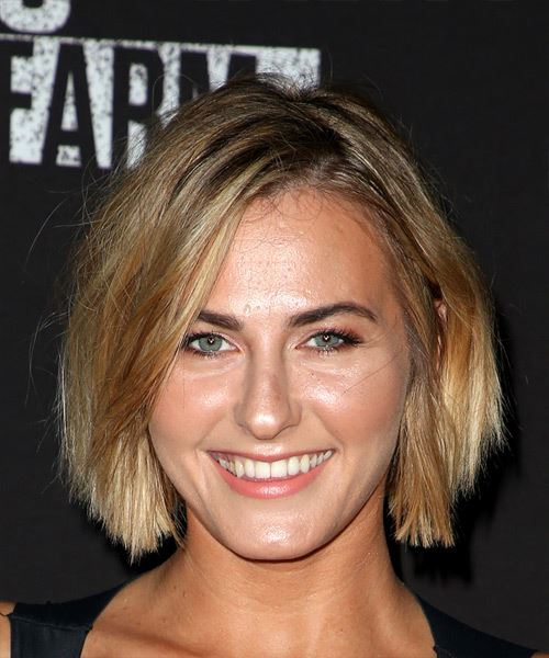 Scout Taylor Compton Short Straight Casual Bob  Hairstyle   - Medium Blonde